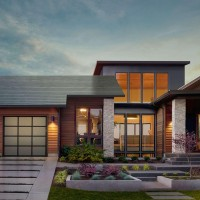 Tesla Solar Roof Tiles to ship to UK in 2018